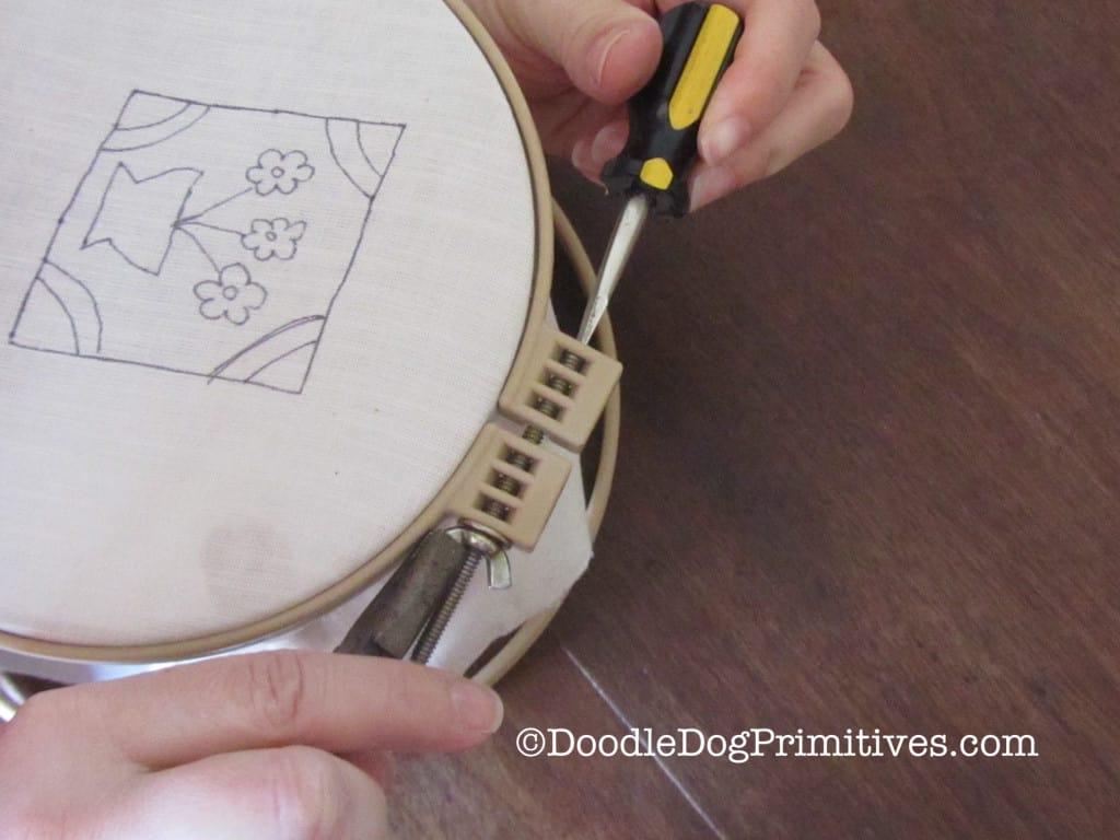 Pattern in Locking Hoop
