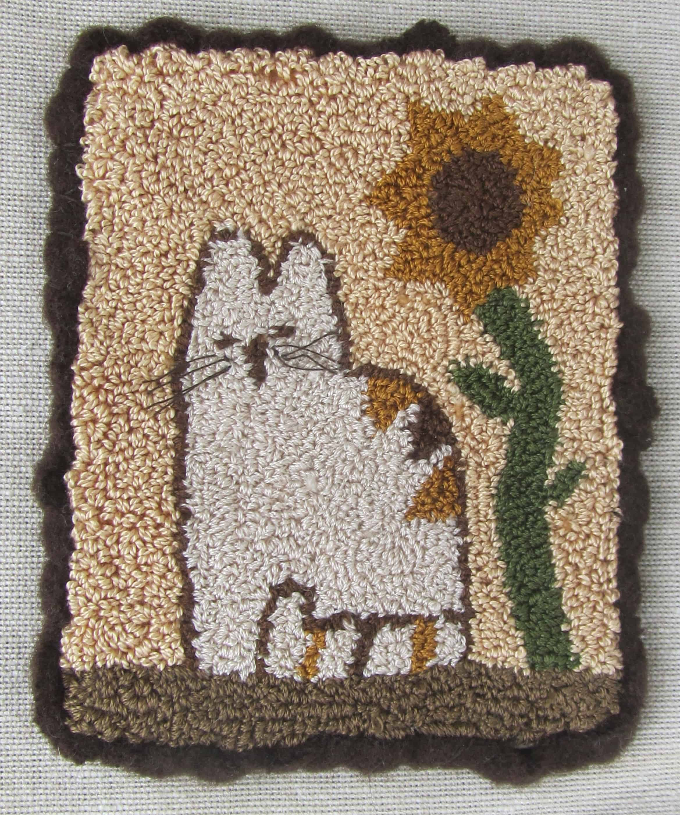 Rug Dogs Embroidery Designs: Calico Cat Punch Needle Free Pattern