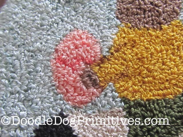 How to use beads to add details to your punch needle projects | DoodleDogPrimitives.com