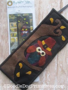 Owl Wool Applique Mini Banner