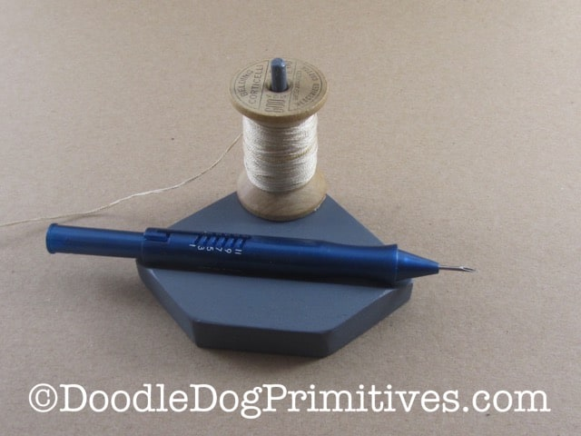 Floss Minder with Spool