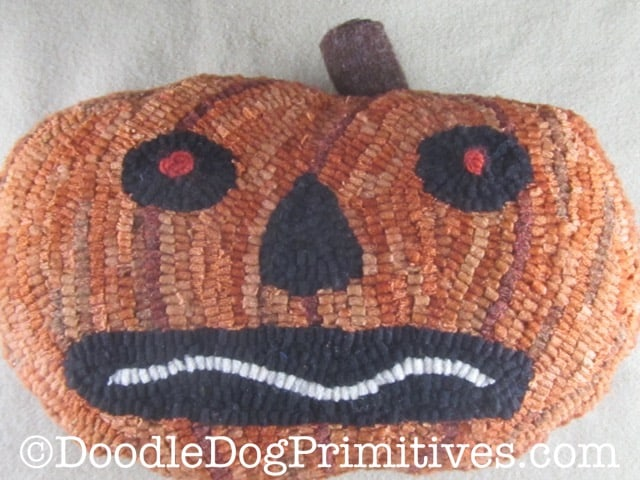 Orange pumpkin rug hooking pillow pattern