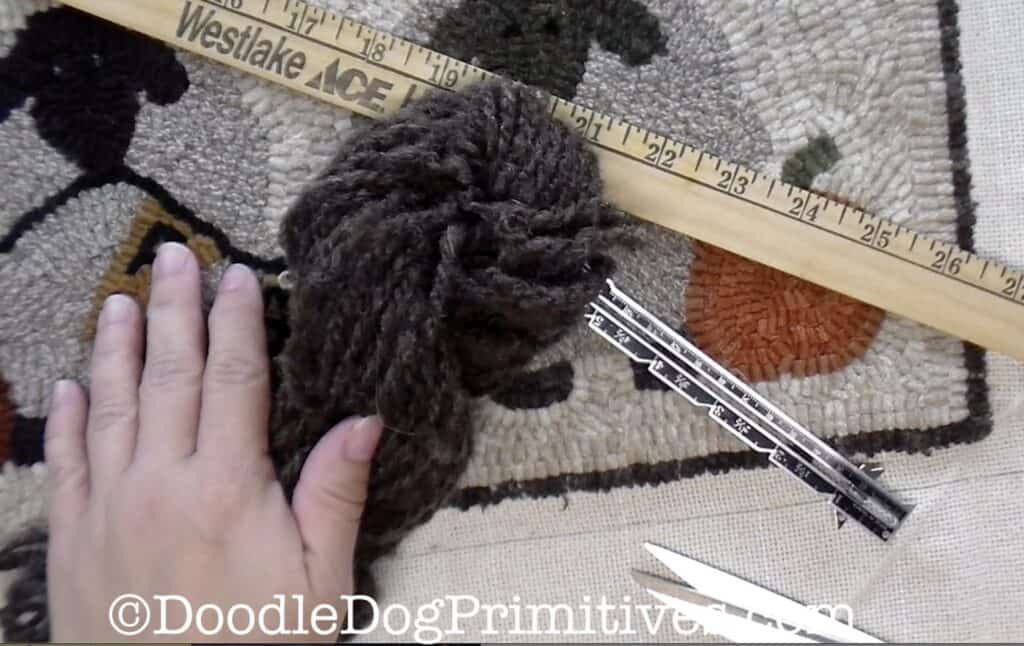 Supplies needed for hooked rug yarn edge
