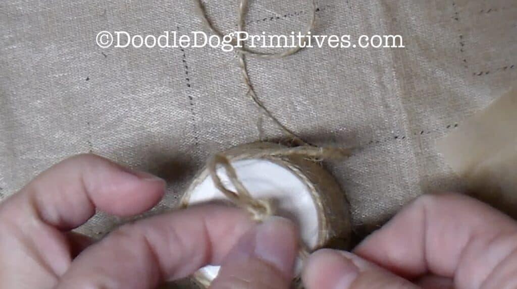 tie knot in jute